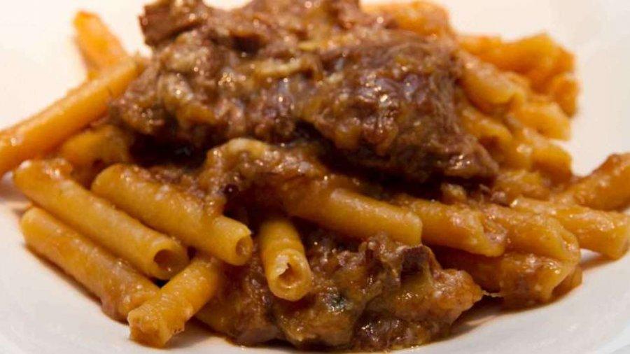 Genovese napoletana di memi e spaghetti alla mont blanc 50annieround